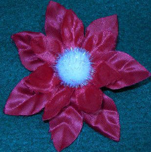 Poinsettia Christmas pin craft