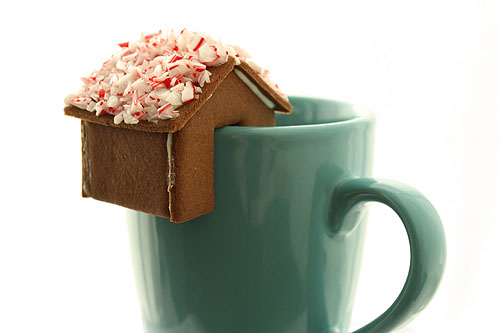 Gingerbread house on coffee cup