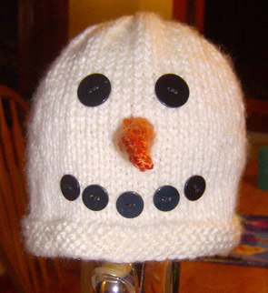 how to knit this adorable snowman hat with a free kitting pattern