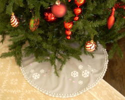 no sew Christmas tree skirt