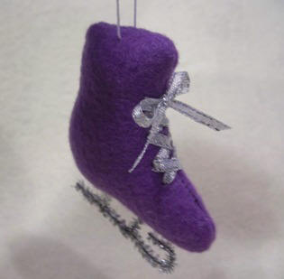 Felt skate ornament sewing pattern
