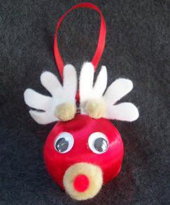 Reindeer ball Christmas ornament