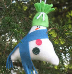 Stuffed triangle snowman ornament craft